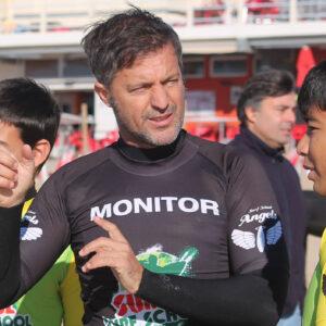 Aulas-de-Surf-Campeao-Escola-de-Surf-Angels-Surf-School(4)
