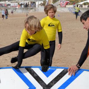 Aulas de Surf Crianças - Escola de Surf Angels Surf School (4)