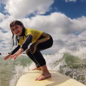 Aulas de Surf Crianças - Escola de Surf Angels Surf School (6)